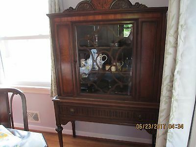 Berkey & Gay Dining Room Buffet , China Cabinet Table ,6 Chairs ,sideboard Hutch