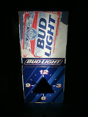 Bud Light Lighted Pool Table Room Wall Sign with Clock, Excellent Condition