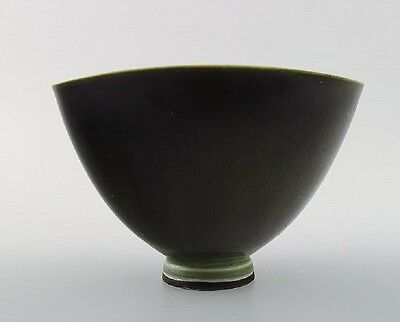 Berndt Friberg Studio ceramic bowl. Modern Swedish design. Unique, handmade.