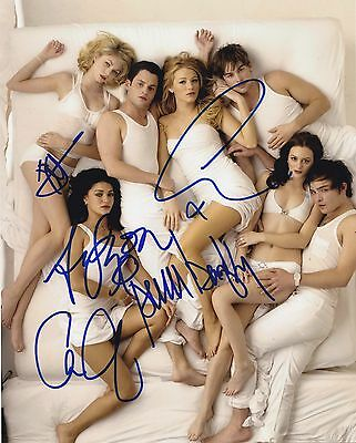 "GOSSIP GIRL CAST Signed Autographed 8x10"" Photo--"