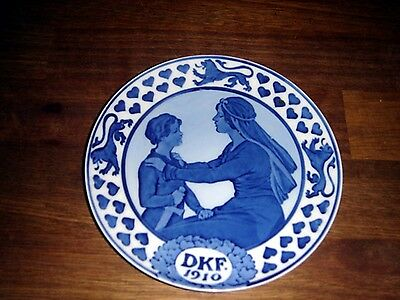 1910 Danish Women Association for the Defence of Denmark plate ROYAL COPENHAGEN