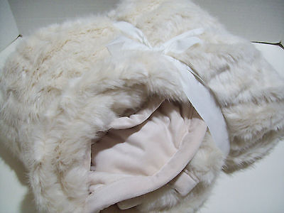 "Pottery Barn Ivory Gathered Faux Fur Plush Throw Blanket 50"" X 60"" New"
