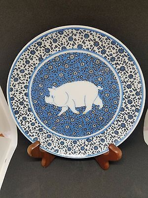 Adorable blue pig plate 6 3/8 inches excellent condition