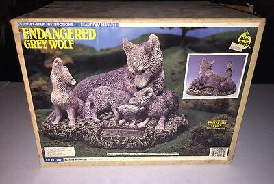 Accents Unlimited Wee Crafts Ready To Paint Pottery Endangered Grey Wolf