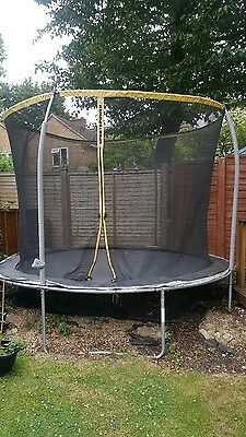 12ft trampoline with enclosure