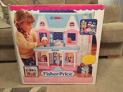 Complete Vintage Boxed Fisher Price Loving Family Dream Dolls House VGC