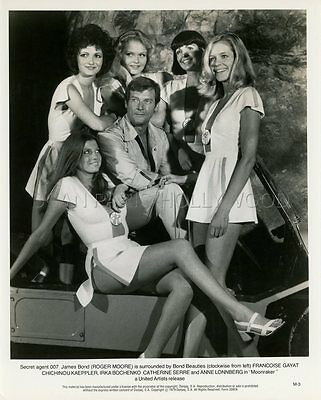 James Bond 007 Roger Moore Moonraker 1979 Vintage Photo Original #43 Girls