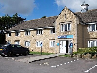 2xFamily rooms for 2 nights 22 & 23 August Burford Cotswolds Oxford Travelodge