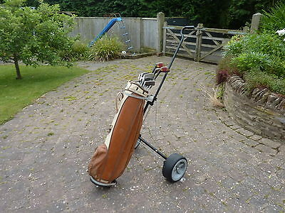 Vintage Set of Mens R/H Ben Sayer Top Scot Golf Club irons & Woods Bag & Trolley