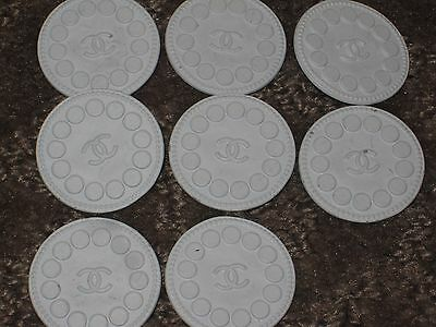 CHANEL 8 WHITE CC LOGO FRONT   BUTTONS  22 MM lot 8 NEW