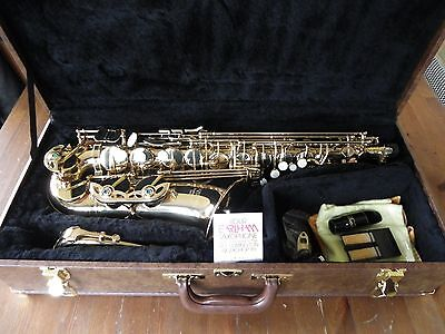 (Reduced)Earlham Professional Series Ii Saxophone In Case