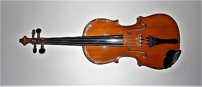 unmarked old violin Full size