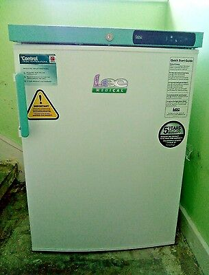 Lec Medical PSRC151 True Temperature pharmacy fridge with solid door