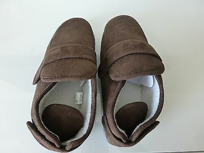Mens Easy Fit Velcro Slippers Size M 7-8
