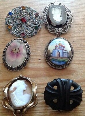 Antique/Vintage Brooches - Incl.Pinchbeck Shell Cameo & 2 Ceramic Painted Brooch