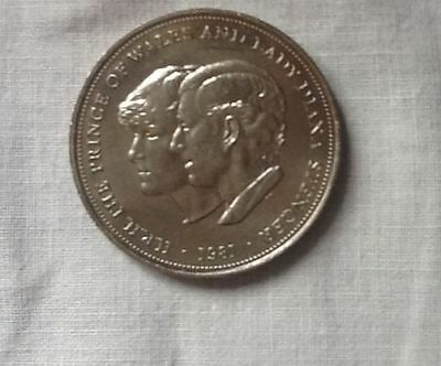 1981 Royal Wedding Commemorative Crown Prince of Wales and Lady Diana Spencer