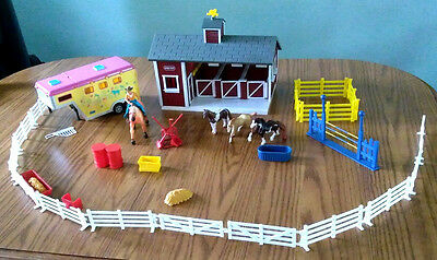 Breyer Barn Stablemates Stable Trailer Fence Horses Accessories Playset Lot