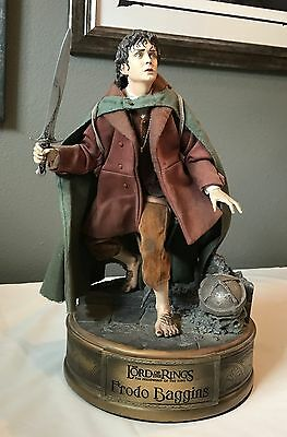 Sideshow Lord of the Rings FRODO BAGGINS Premium Format Statue #115/1000