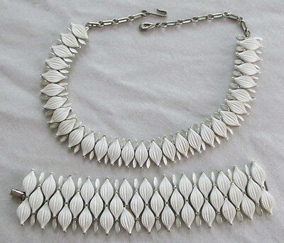 LISNER White Thermoset Diamond Shape Necklace Bracelet Original Signed Vintage