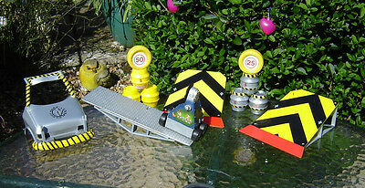 """Original Bbc Robot Wars  """" Pussycat  Playset,all Working """" Includes Extras"""