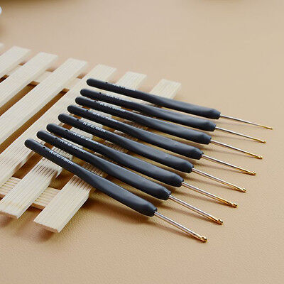 8Pcs Black Soft Plastic Handle Metal Crochet Hook Knitting Needles Set