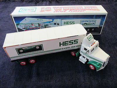 Hess Gasoline 18 Wheeler With Racer!!!