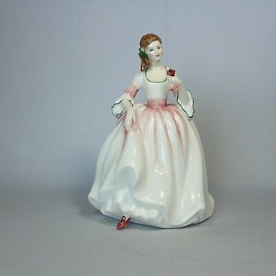Royal Doulton Figurine Tender Moment HN3303 Mint Condition