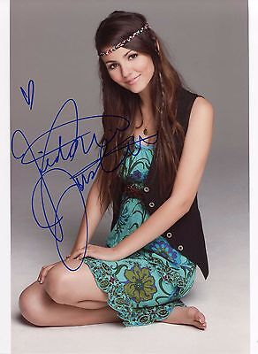 Victoria Justice  Signed Autographed A4 210 × 297mm Photo