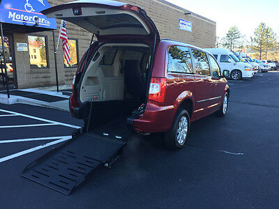 2016 Chrysler Town & Country Touring Mini Passenger Van 4-Door 2016 Chrysler Town and Country HANDICAP MOBILITY VAN NEW CONVERSION