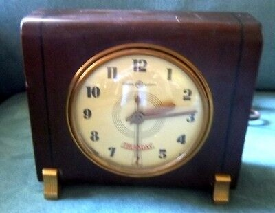 Vintage General Electric Table Clock Almanac Day Date 8H14 WORKS!!