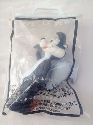 Dakin Pepe Le Pew Skunk Looney Tunes Vinyl Figure with Tag In Bag Vintage 1971