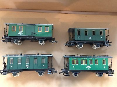 ETS O gauge tinplate coaches, Very Good Condition, boxed.