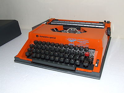 Vintage RETRO ORANGE Olympiette Special Typewritter