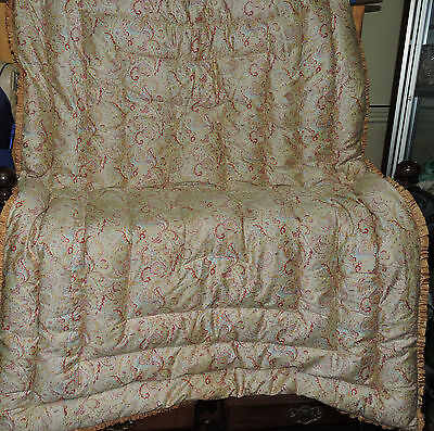 Pretty Vintage Eiderdown  feather paisley Quilt