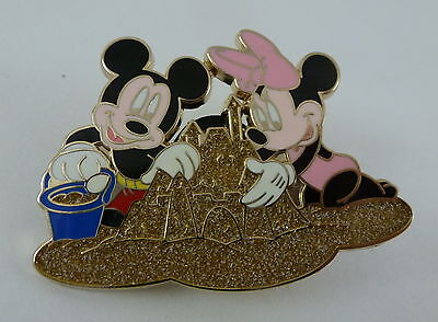 DCL Disney Cruise Line Mickey & Minnie Mouse Sand Castle Pin