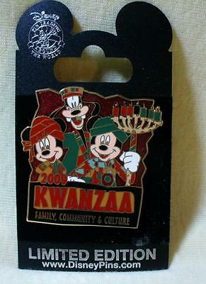 WDW Disney Goofy Mickey & Minnie Mouse Kwanzaa 2009 LE Pin