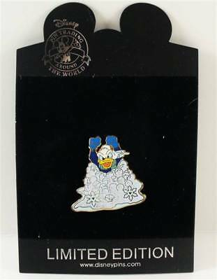 Disney Store Snowball Series Donald Duck Pin LE 250