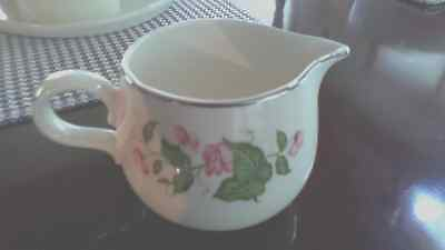 VINTAGE - Homer Laughlin Creamer ~ Rhythm Sweet Pea - D 55 N 5 ~ USA