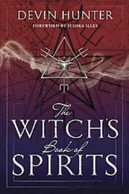 The Witch's Book Of Spirits - Hunter, Devin - New Paperback Book