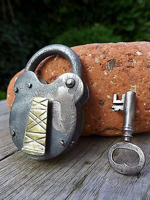 Antique Vintage Padlock with one key, working order, hobby, collector 00
