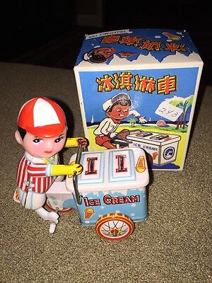 New In Box Vintage Clockwork Tin Ice Cream Vendor Wind-Up Toy (KC)