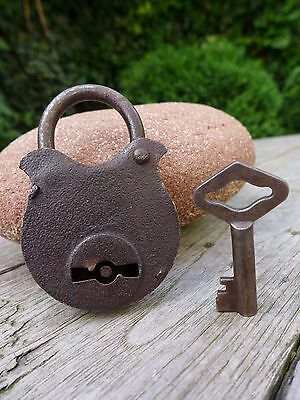 Antique Vintage Padlock with one key, working order, hobby, collector F