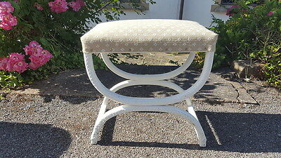 A Really Pretty Old Vintage Decorative Painted Wicker/Loom Style Stool/Footstool