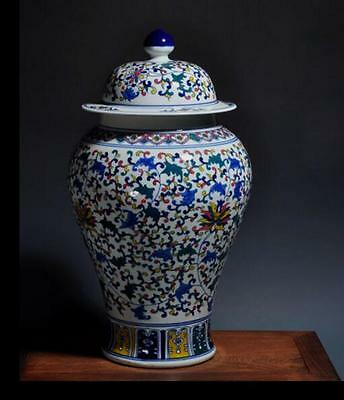 chinese old Blue and white porcelain sculpture flower Colorful hat-covered jar