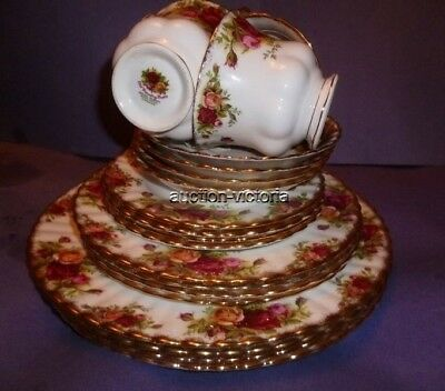 4- 5 Piece Royal Albert England Bone China Old Country Roses Place Settings