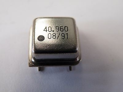 40.96MHz 4 Pin Crystal Oscillator. Quantity in Drop Menu CA09