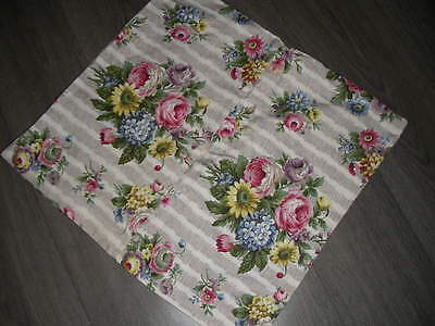 Vintage 40s 50s pretty cotton floral chintz cushion cover