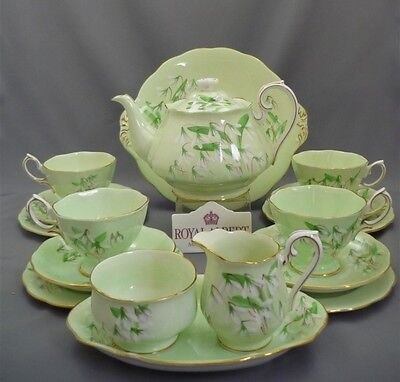 "Royal Albert England ""Laurentian Snowdrop"" Tea Set Service for 4 Trios Teapot"