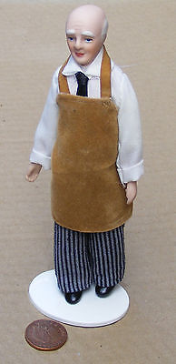 1:12 Scale Victorian Shop Keeper Handyman Tumdee Dolls House Accessory 148