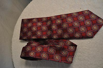 "New Multi-Colored Geometric JOS.A.BANK ""Signature Gold""  100% Silk Tie-NWT"